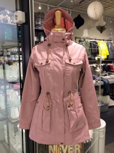 Bellas Emne, Strømmens Storcenter, Camilla Mørch Raincoat Aarhus Dusty Rose